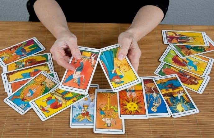 como ler as cartas do tarot